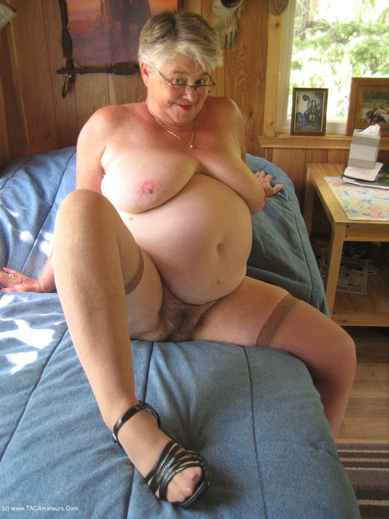 Mature hairy slut Girdle Goddess