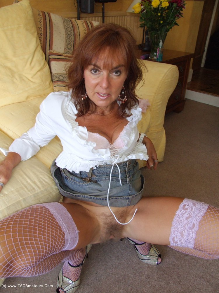 Hairy pussy secretary mature in stocking