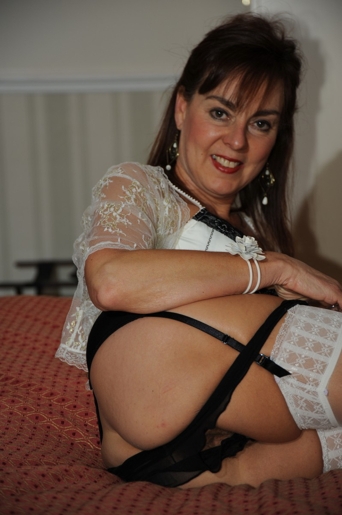 Busty mature stockings tube