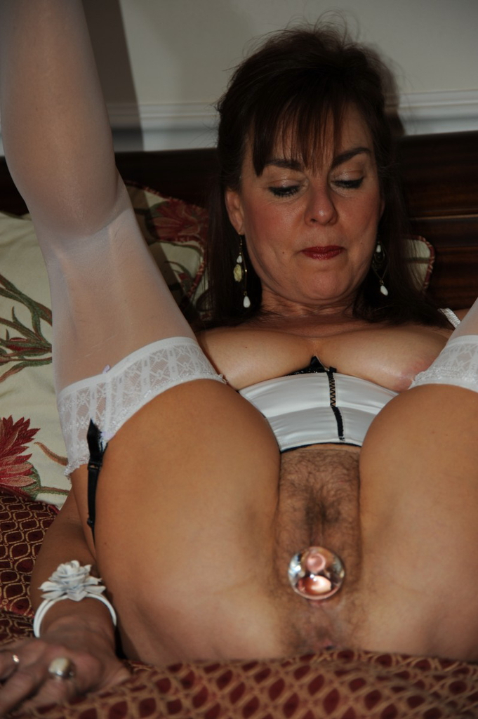 Old house wifes with big tits
