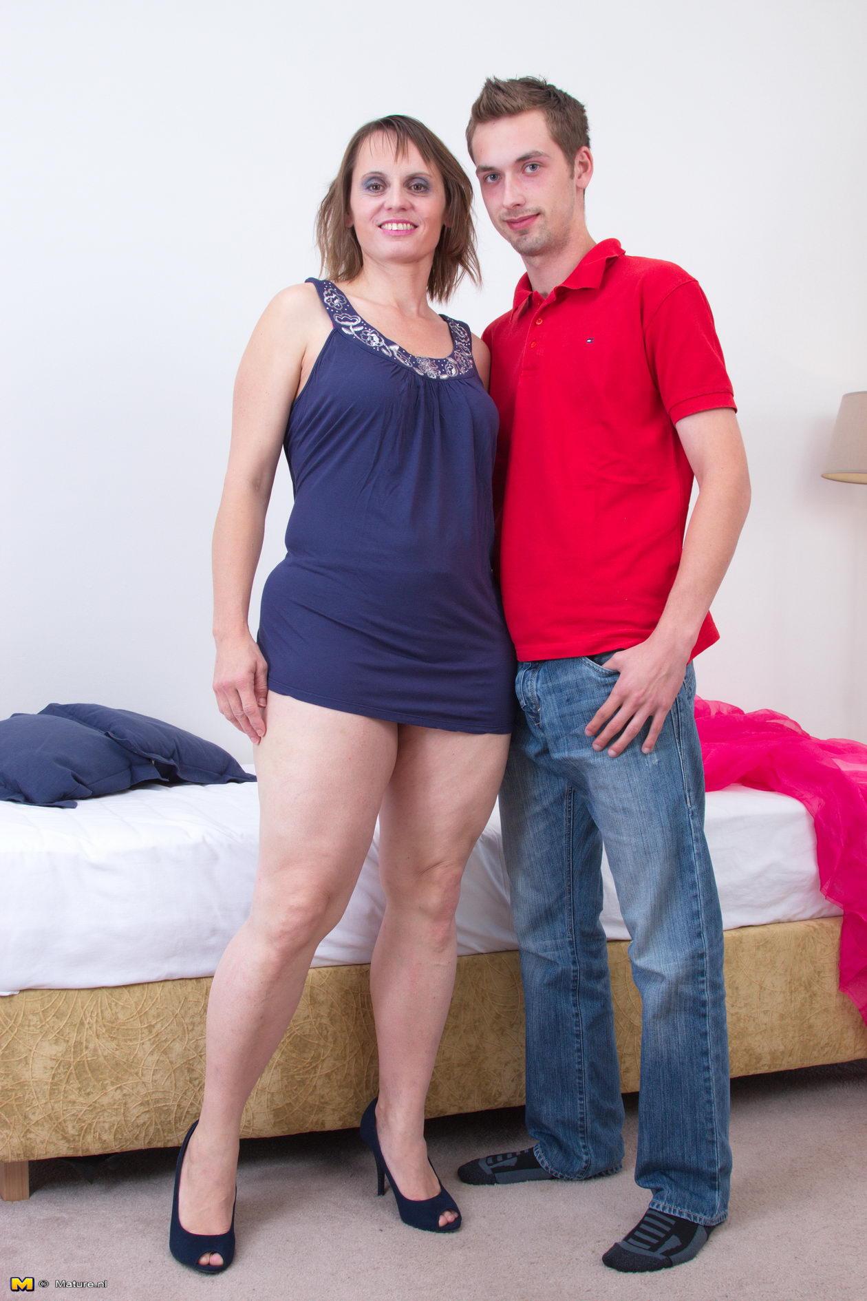 mom hairy porn leg