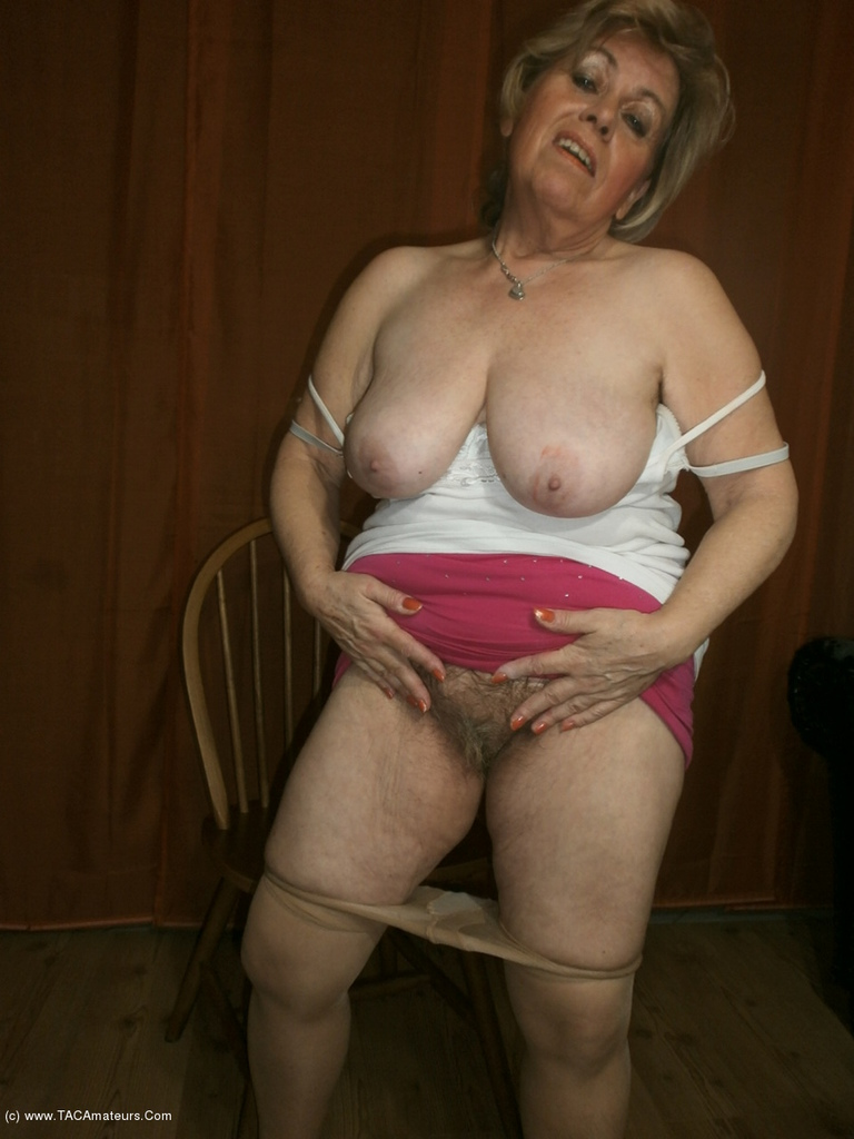 Mature grandmother shows hairy cunt | The Hairy Lady Blog