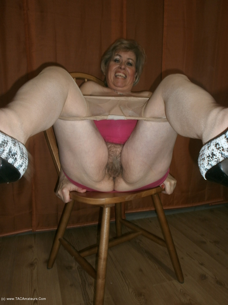 Adult amateur mature bogs
