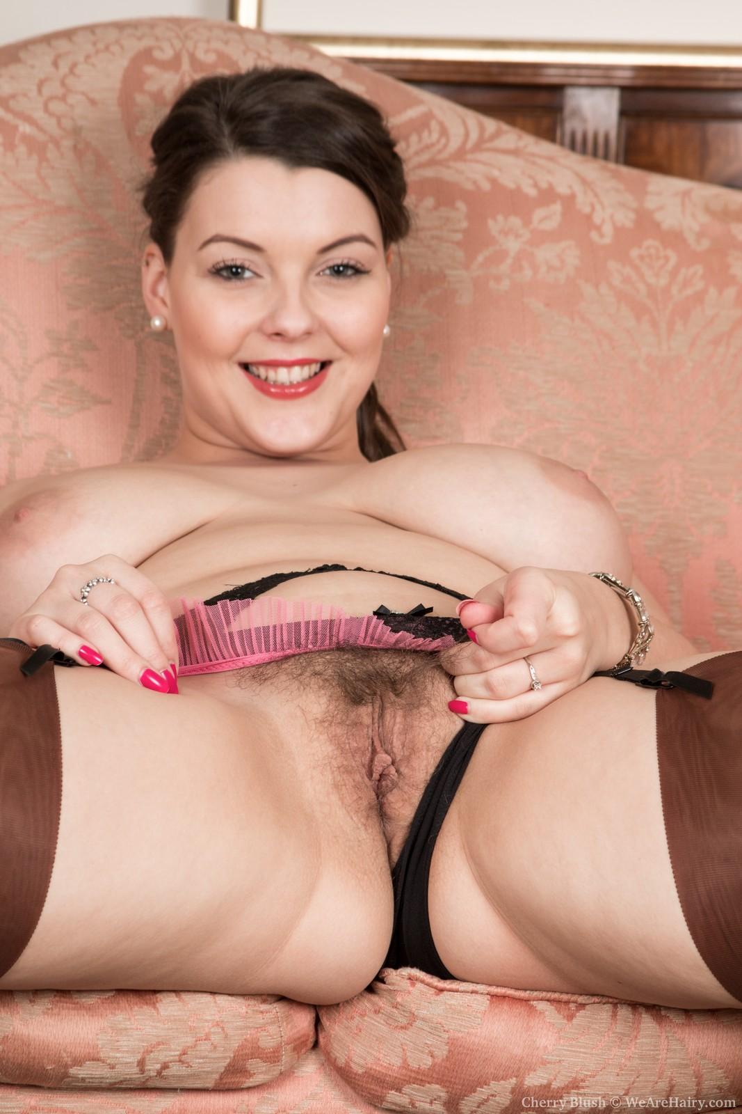 Big tits babe Toni Summers