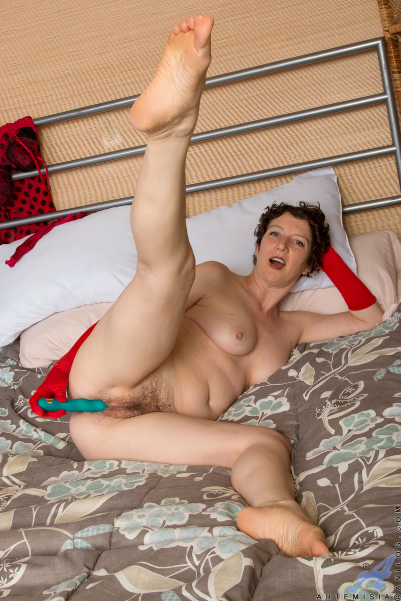 hairy pussy granny artemisia | the hairy lady blog