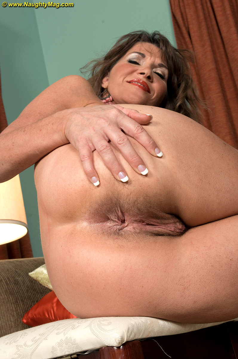 Hairy holes on woman
