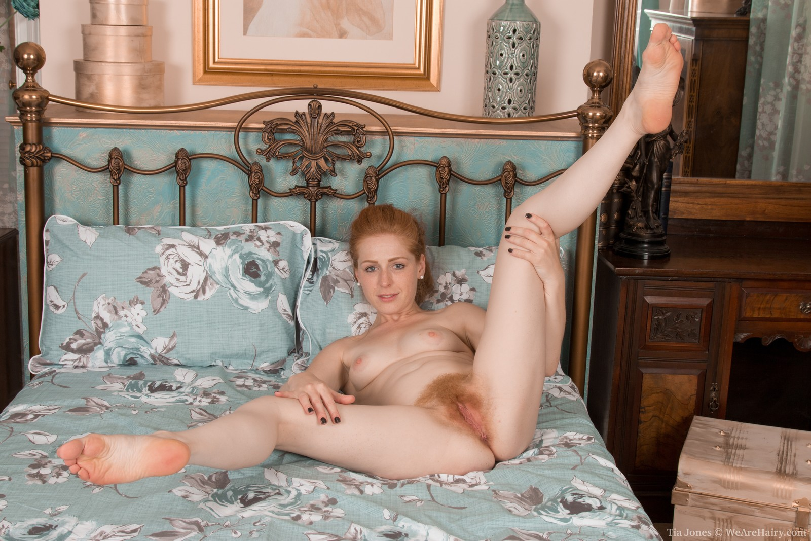 Like but nude redhead in bed want lick