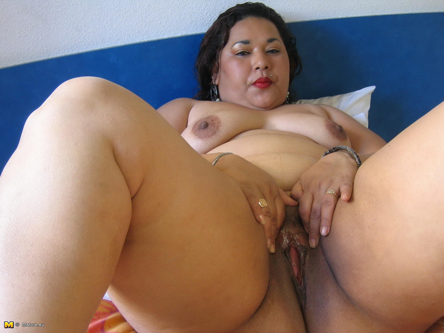 Asian mature pussy agree, very