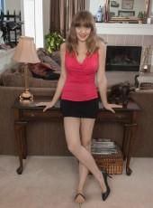 Dani from WeAreHairy.com
