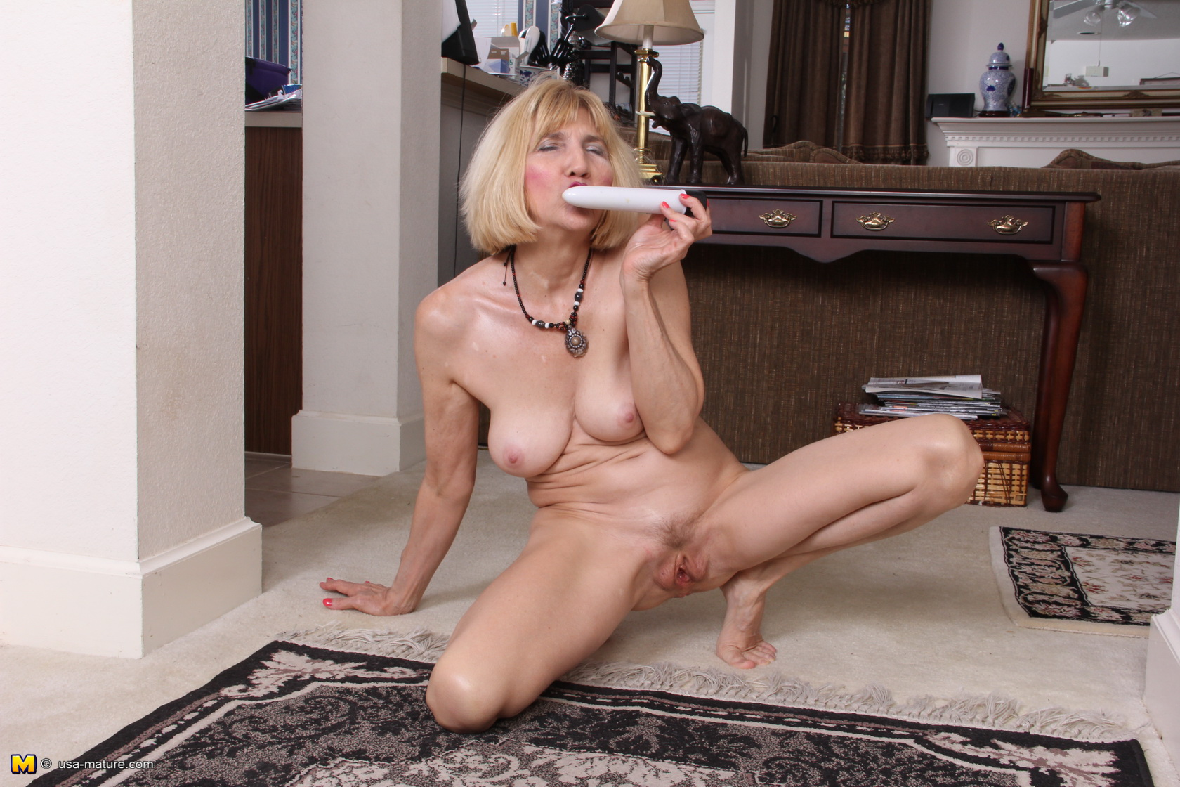 Lily. nude house wife blogspot