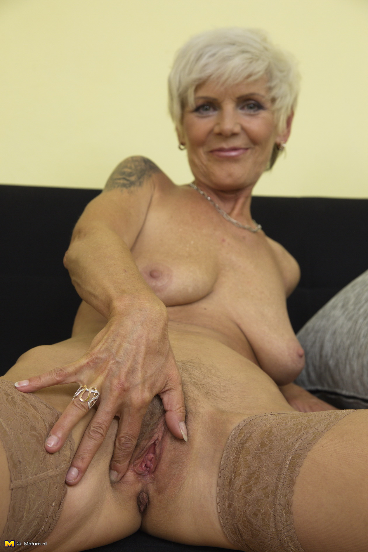 mature-housewife-pussy