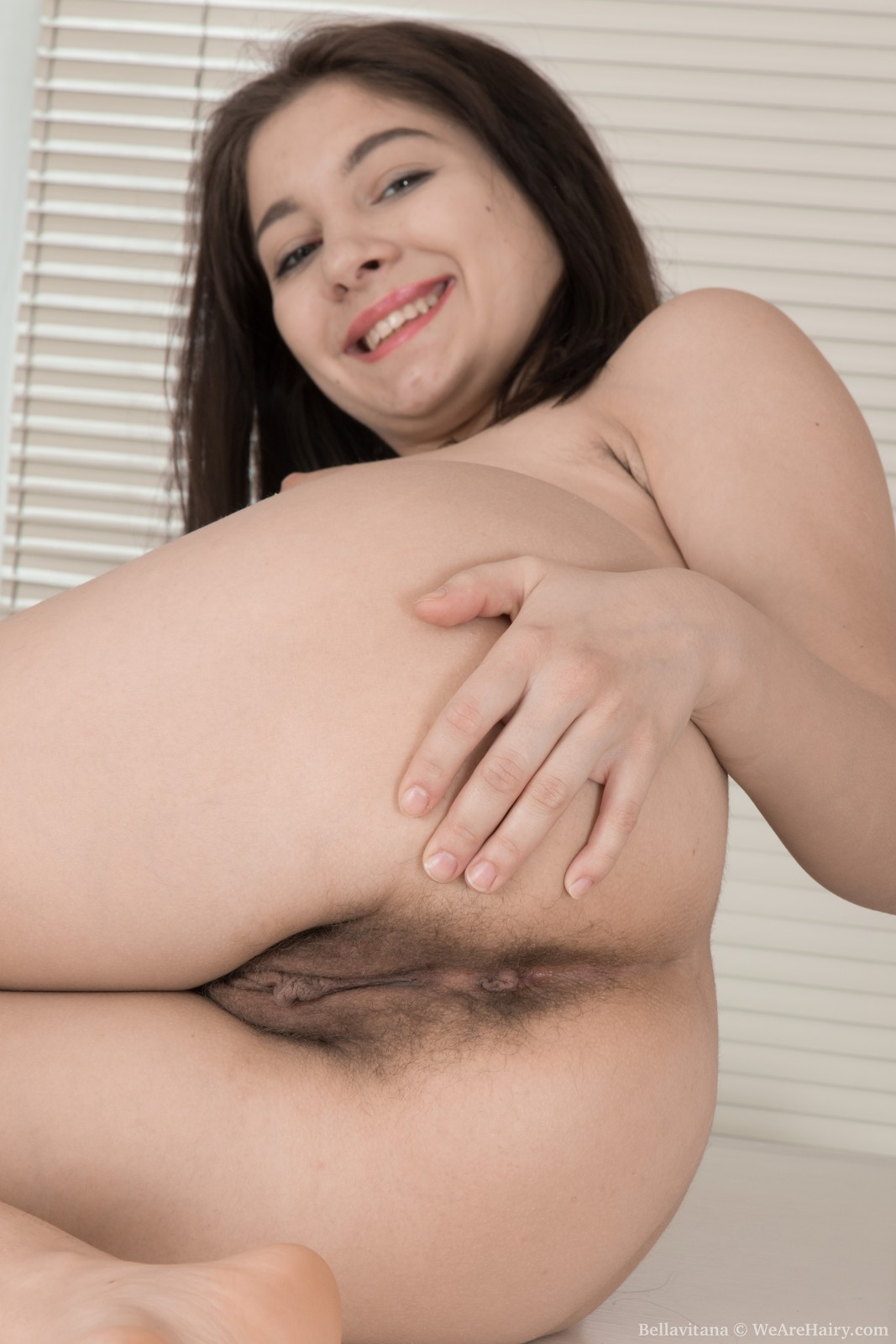 Bellavitana open hairy hole