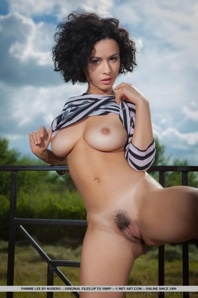 Round ass big boobs blog
