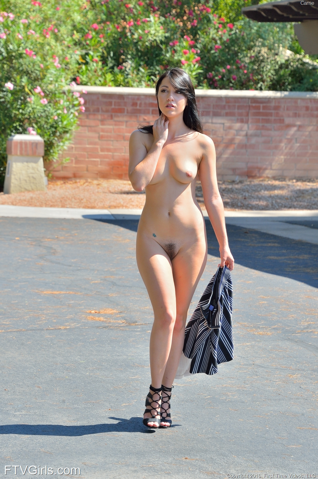 Public Nudity Chick