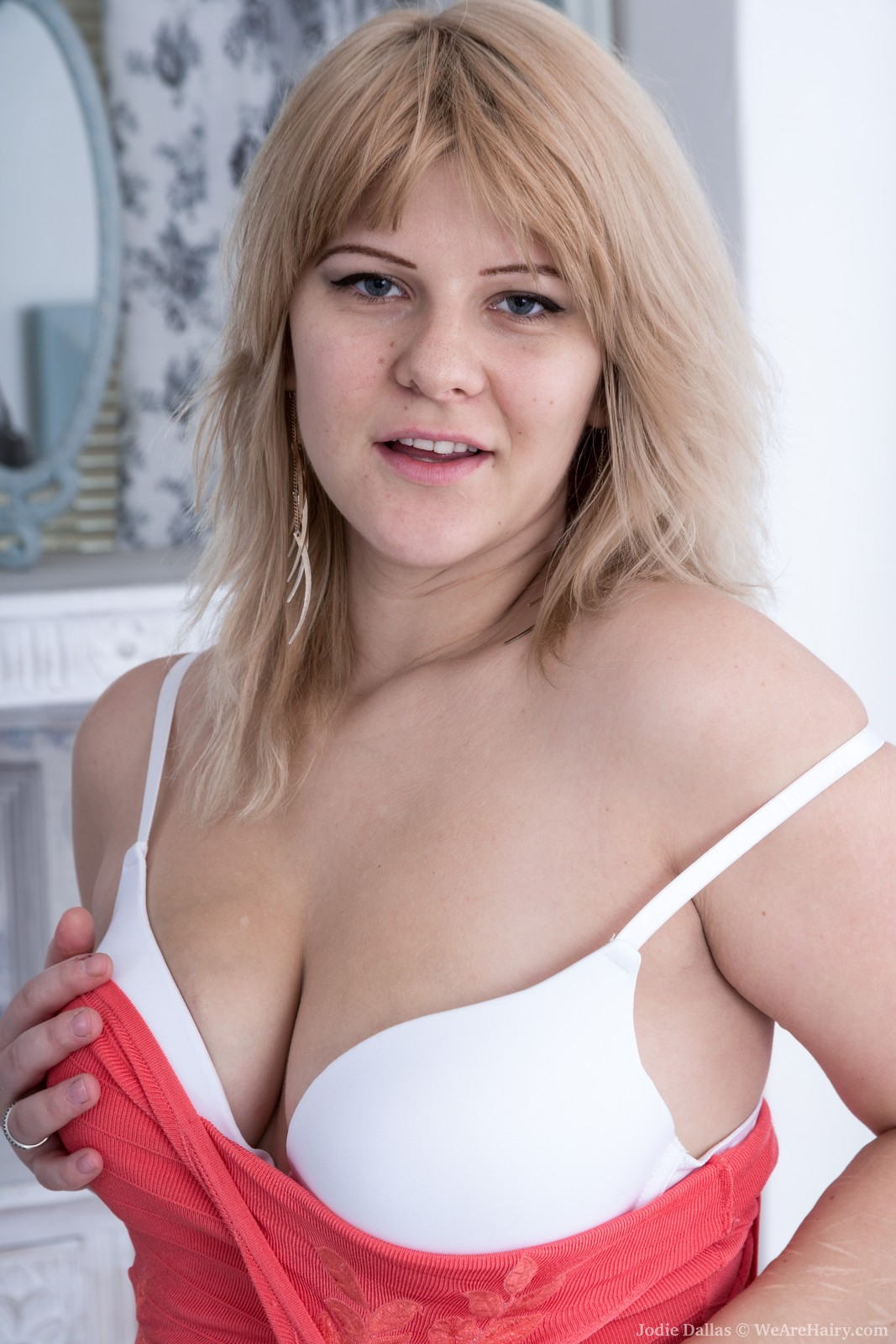 Chubby blonde Jodie Dallas