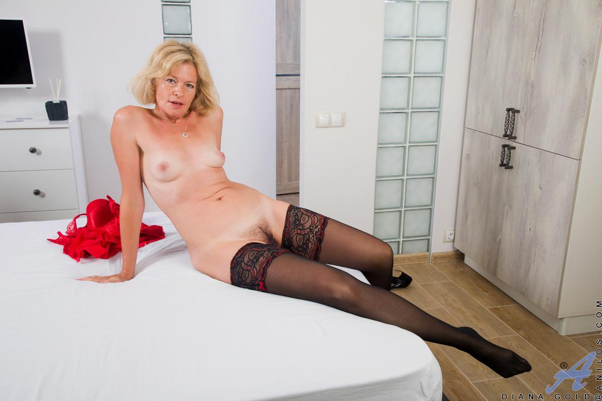 Diana Gold порно модель