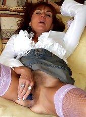 Hairy pussy secretary mature in stocking