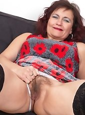 Hairy mature slut