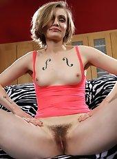 Laila shows hairy hole